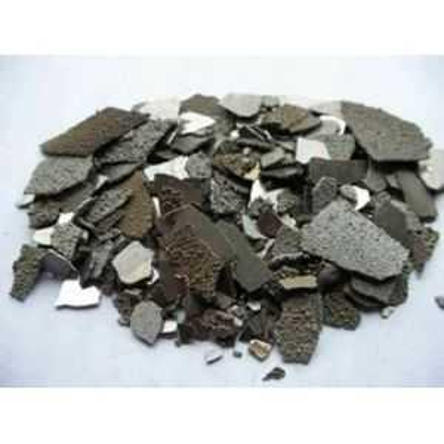 Mangan Flake Mn 99,9% Element 25 granule z čistého kovu, 25 kg manganu